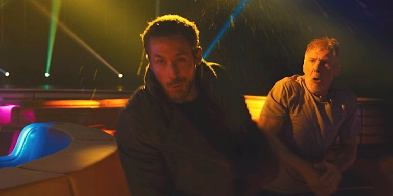 this-photo-shows-harrison-ford-accidentally-punching-ryan-gosling-in-the-face-on-the-blade-runner-2049-set.jpg